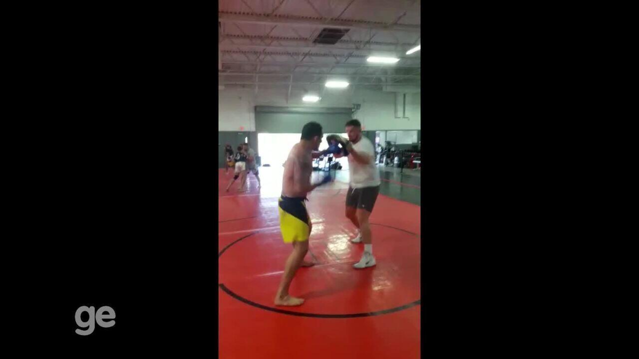 Bodão treina focado no combate contra Gian Villante, em Boston