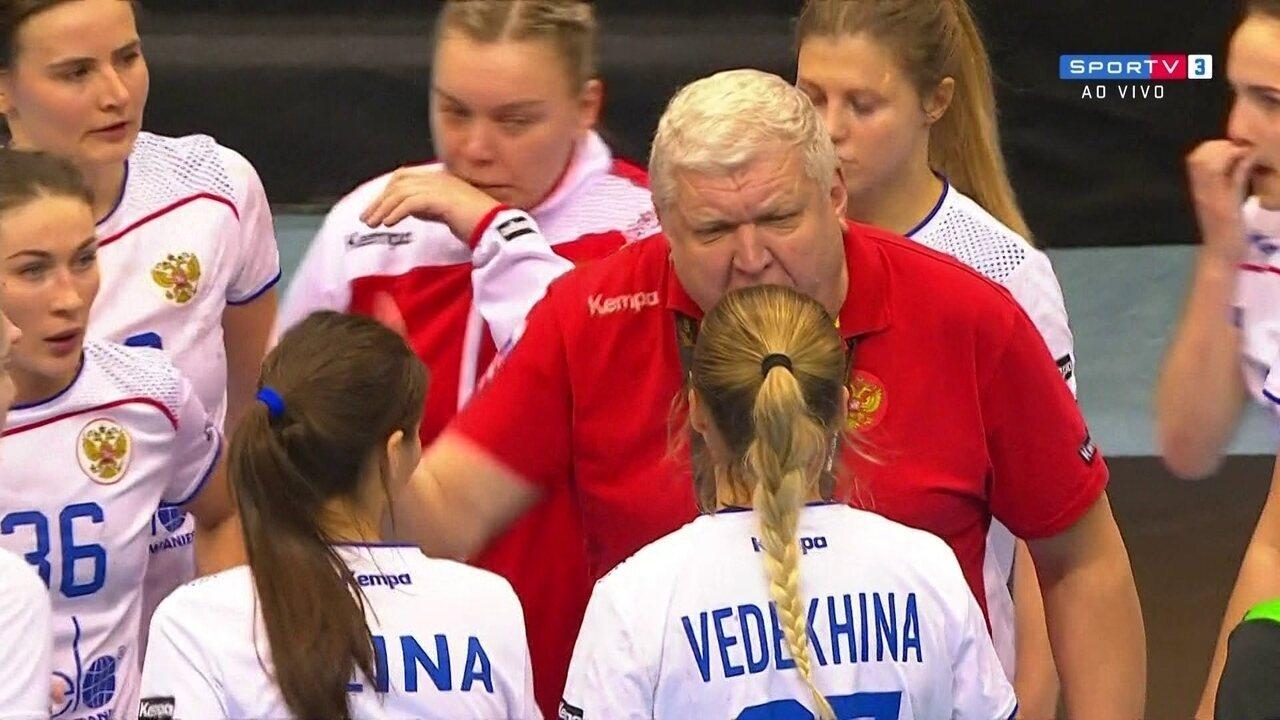 Técnico russo se descontrola e dá bronca em equipe de handebol no Mundial a2ef3e9509375
