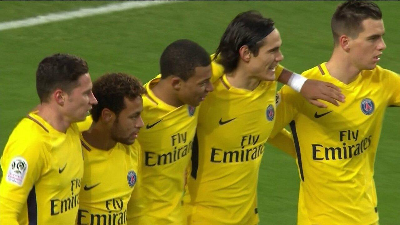 Em dezembro, Neymar marcou dois gols: os dois na vitória por 4 a 1 contra o Rennes