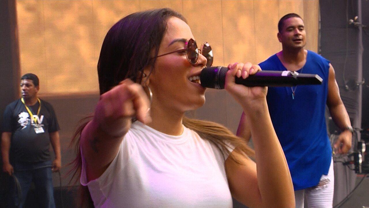 Festival de Verão: Anitta canta 'Tic Nervoso'
