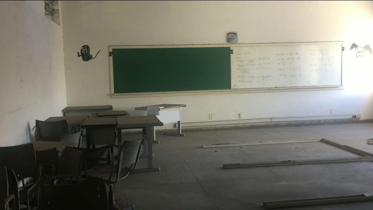 Gastos com educação caíram pela metade no estado do RJ