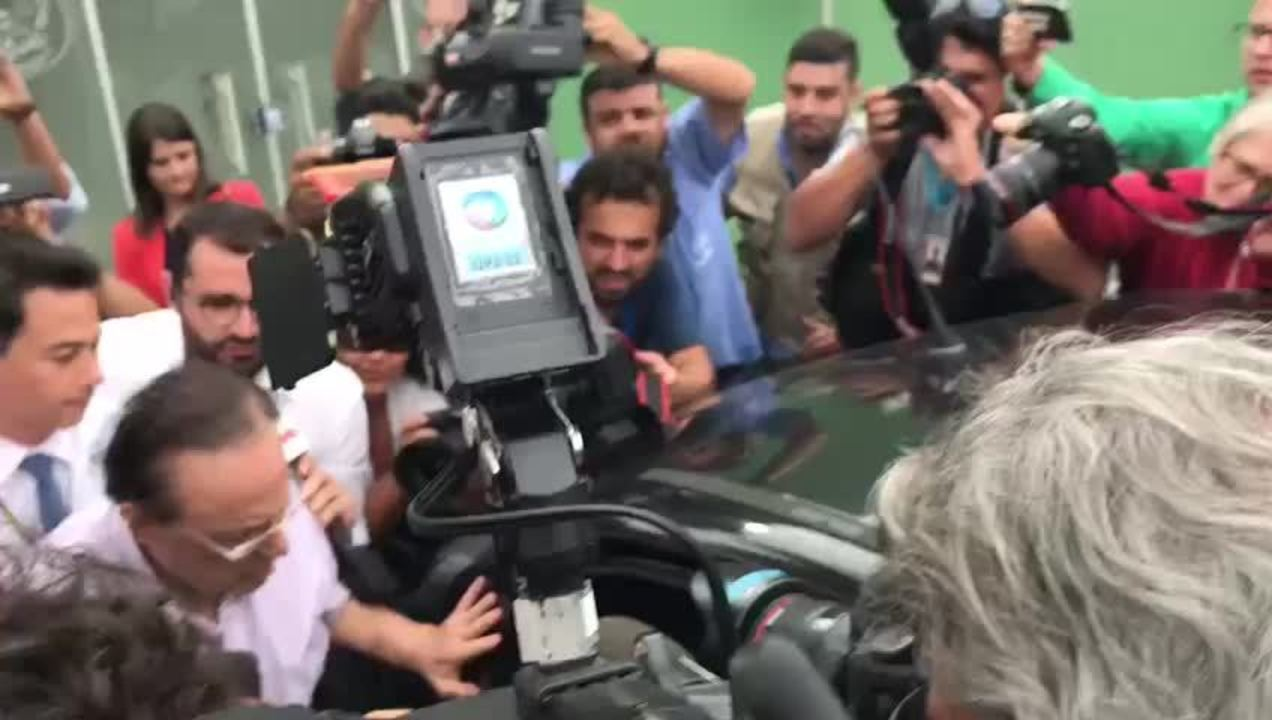 Paulo Maluf deixa IML de Brasília para seguir para a Papuda
