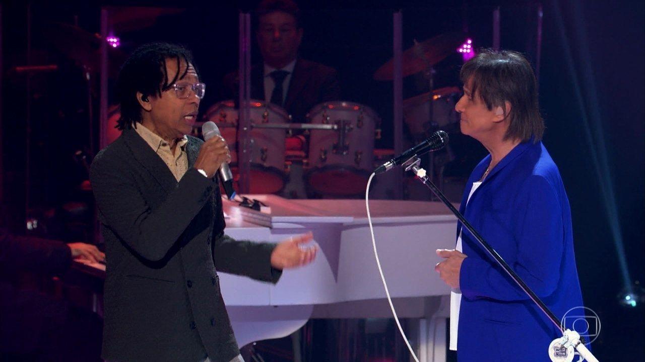Roberto Carlos canta 'As Curvas da Estrada de Santos', com participação especial de Djavan