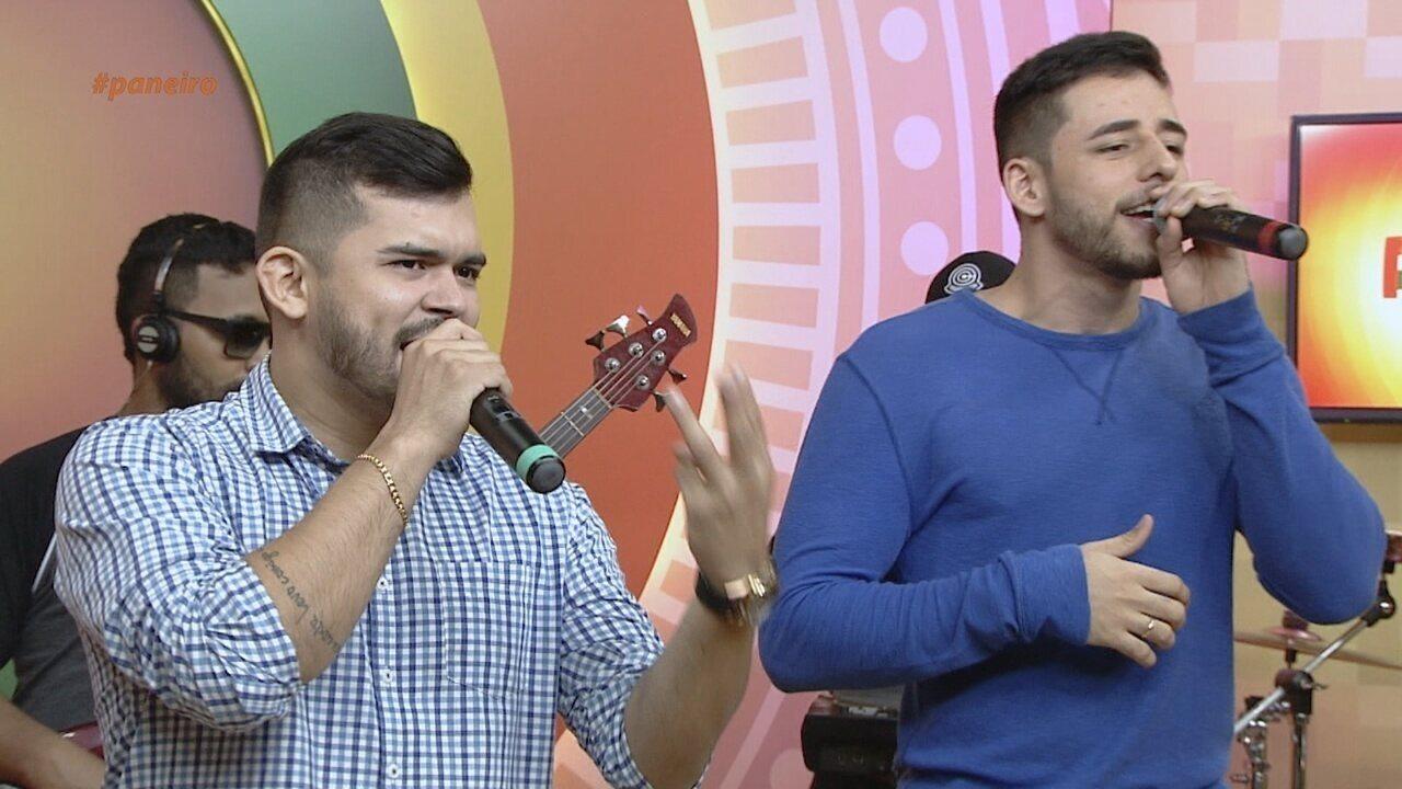 Parte 1: Dupla João Victor e Rodrigo abre programa com sucessos do sertanejo