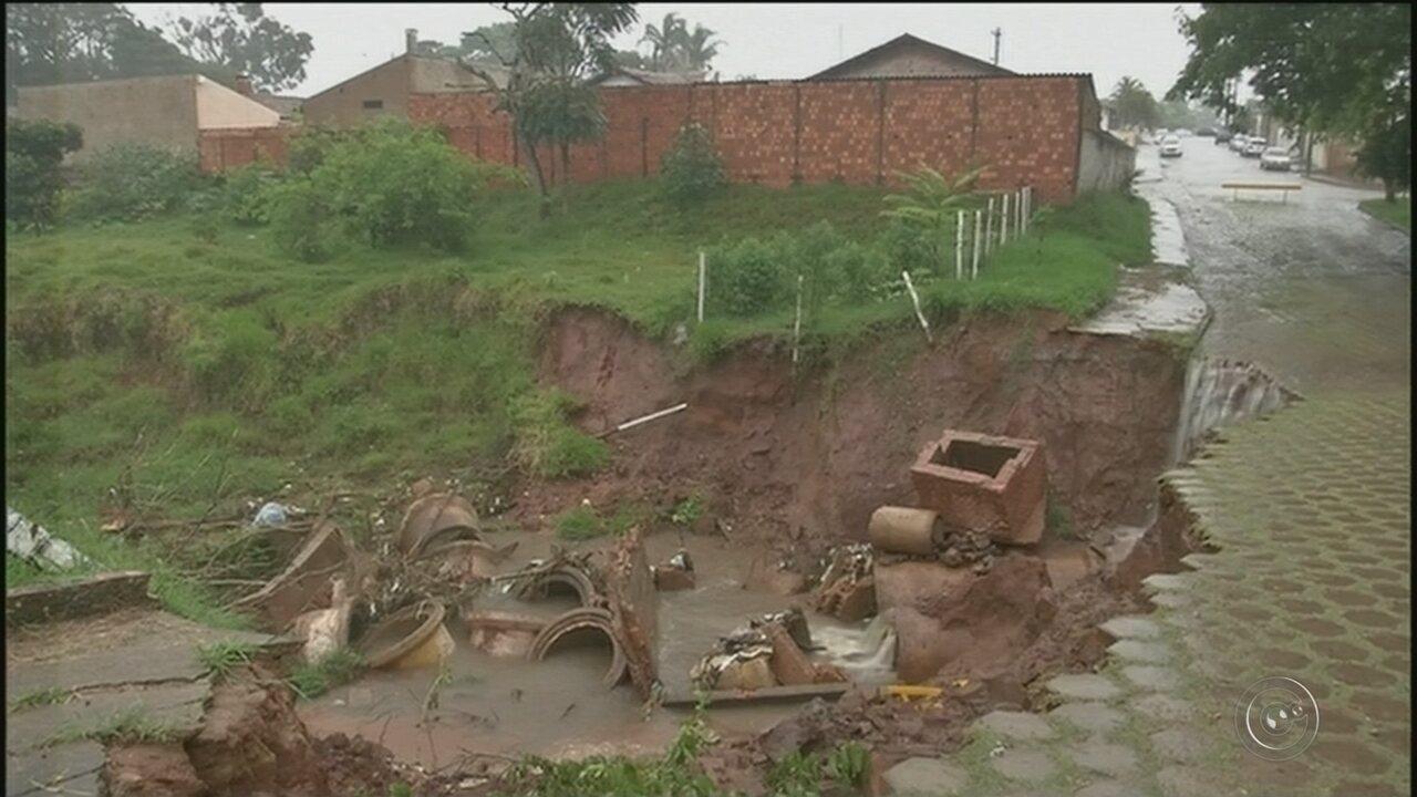 Crateras em bairros de Avaré preocupam moradores