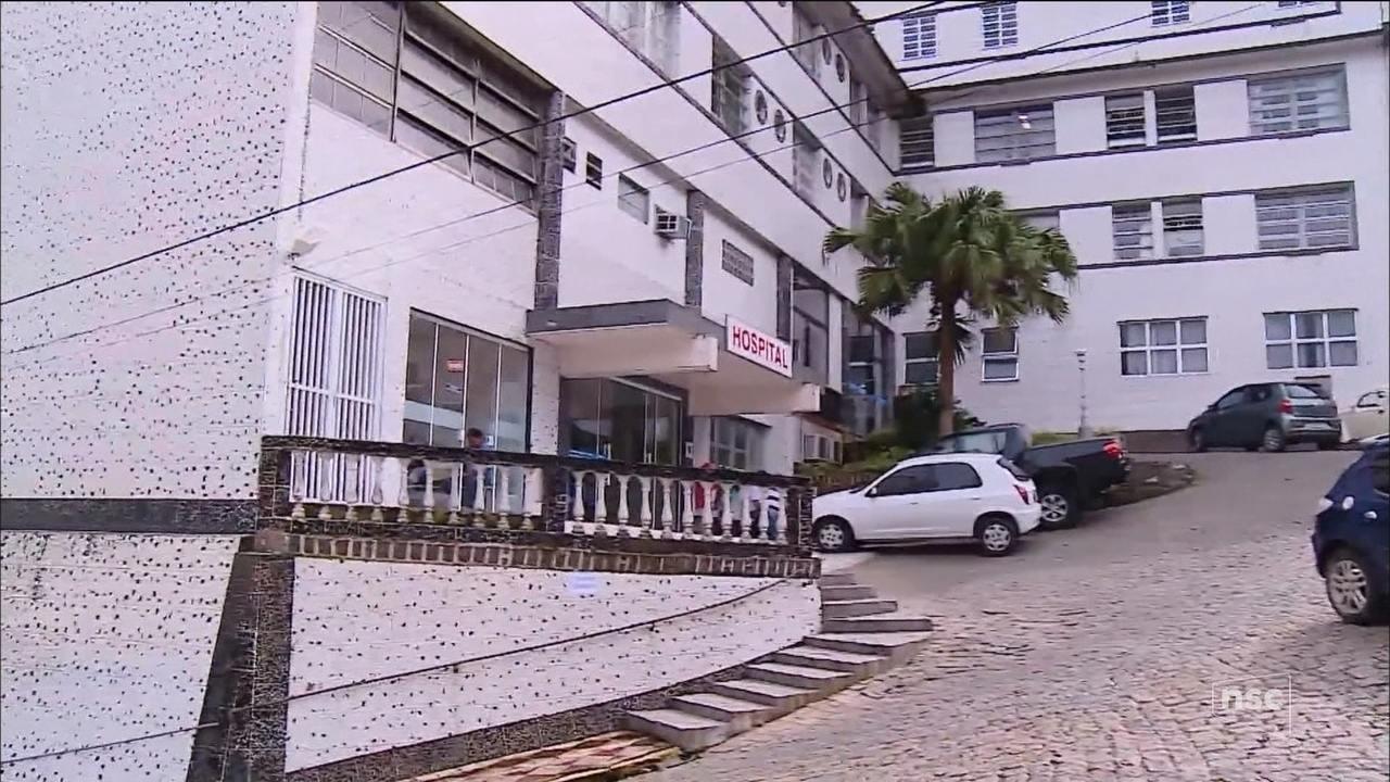 Médicos retomam atendimento no hospital de caridade de Laguna, após greve