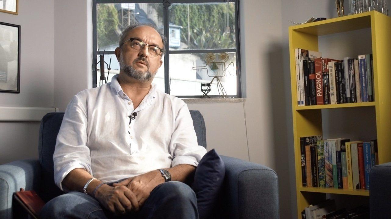 'Imigrantes' conta a história do cineasta francês Bernard Attal