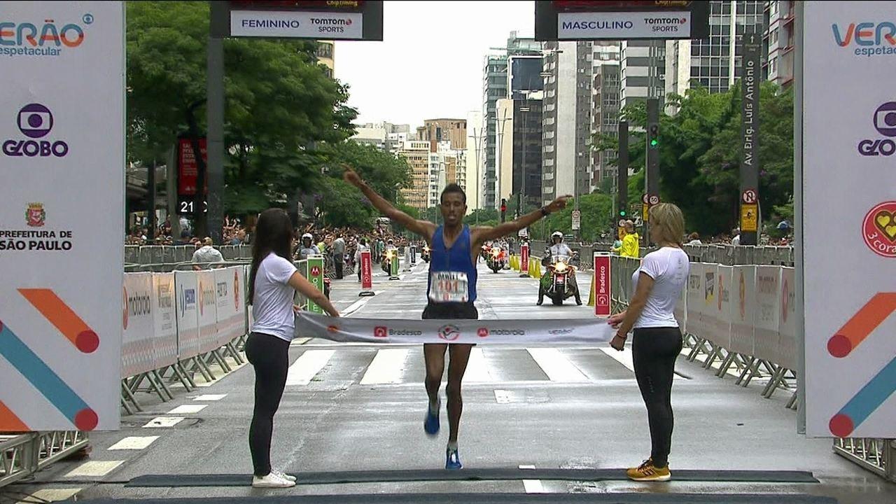Queniana Flomena Cheyech e o etíope Dawitt Admasu vencem a São Silvestre