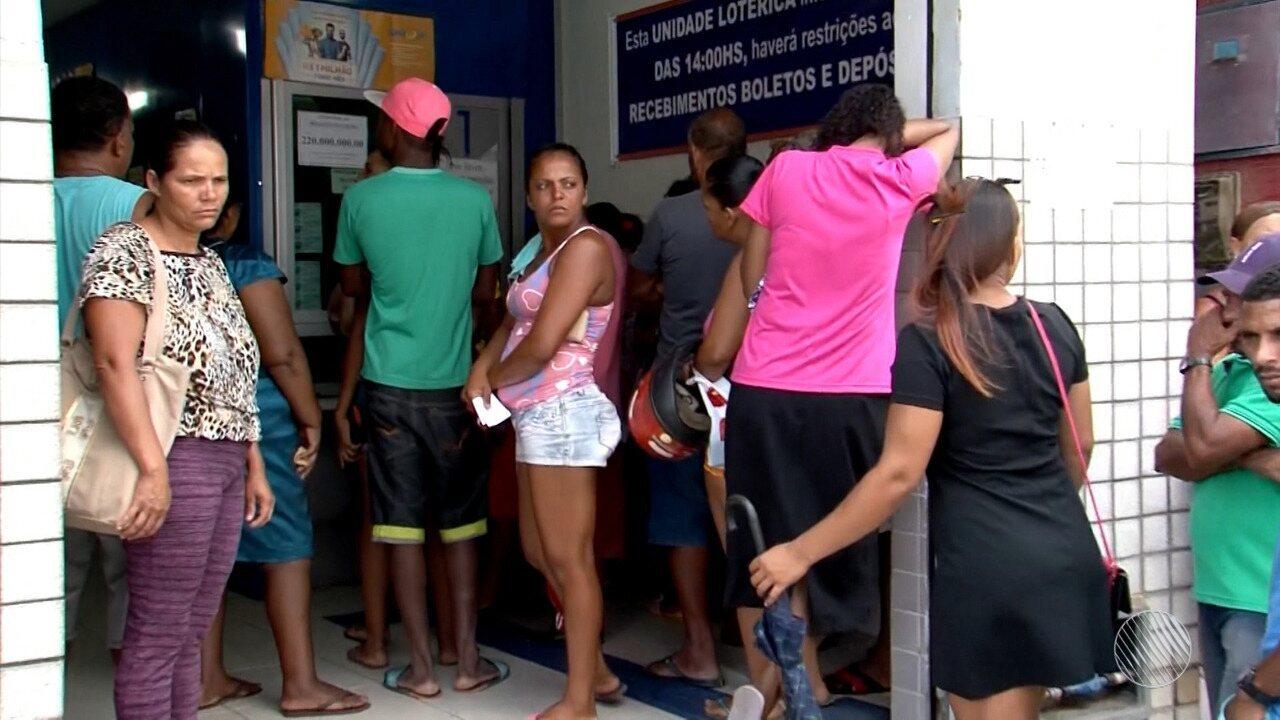 Casa lotérica de Uruçuca fica lotada depois de aposta da cidade ganhar a Mega da Virada