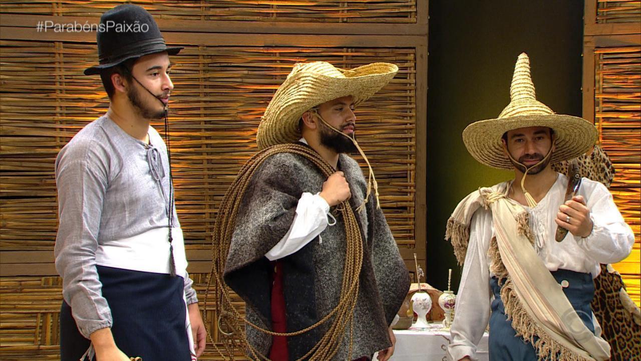Grupo apresente danças adaptadas do folclore por Paixão Côrtes no 'Galpão' (bloco 3)