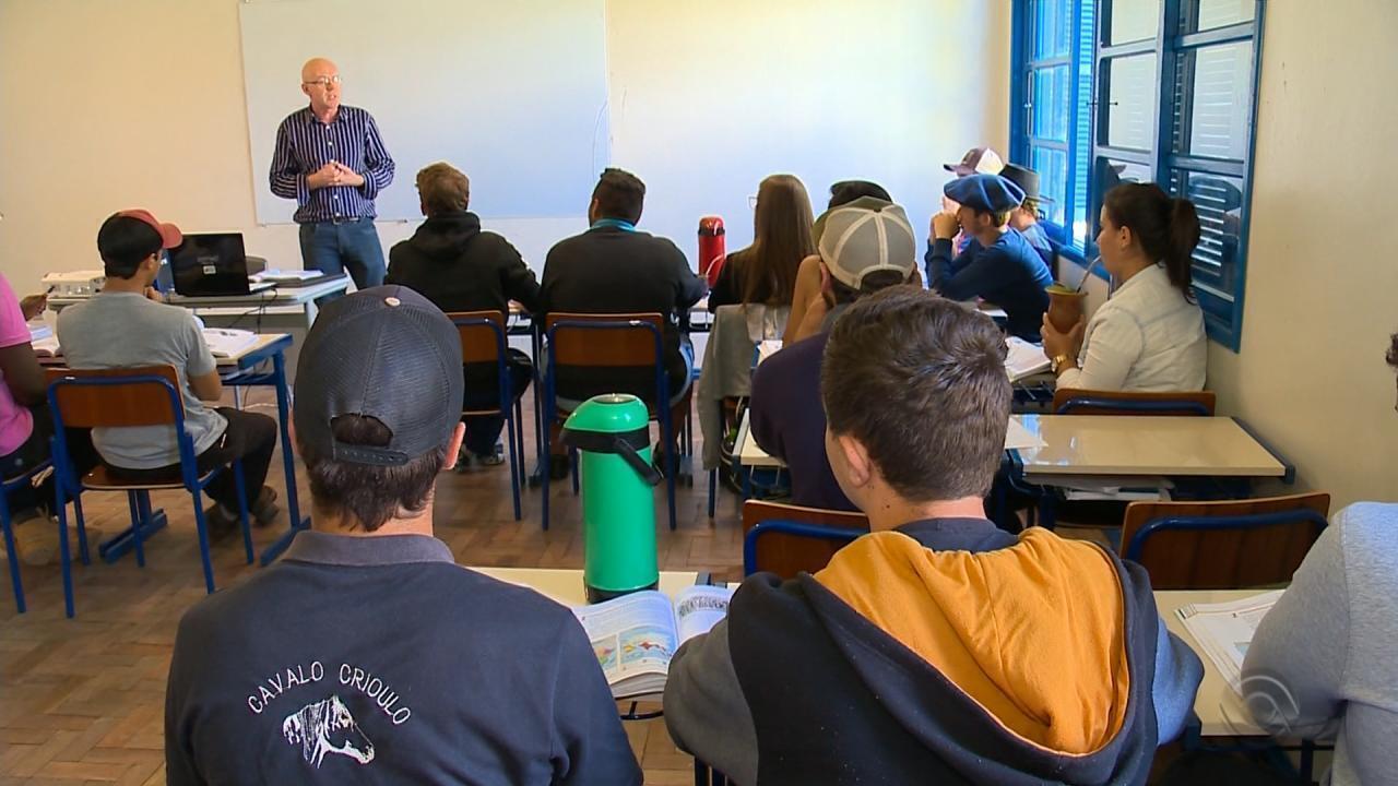 Programa 'Novos Rurais' estimula projetos de jovens na agricultura familiar no RS