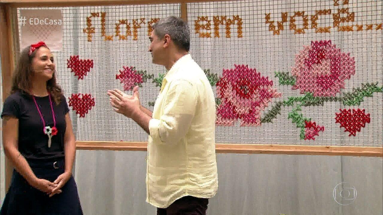 Grupo de artesãs leva técnicas de crochê e bordado para as ruas de SP