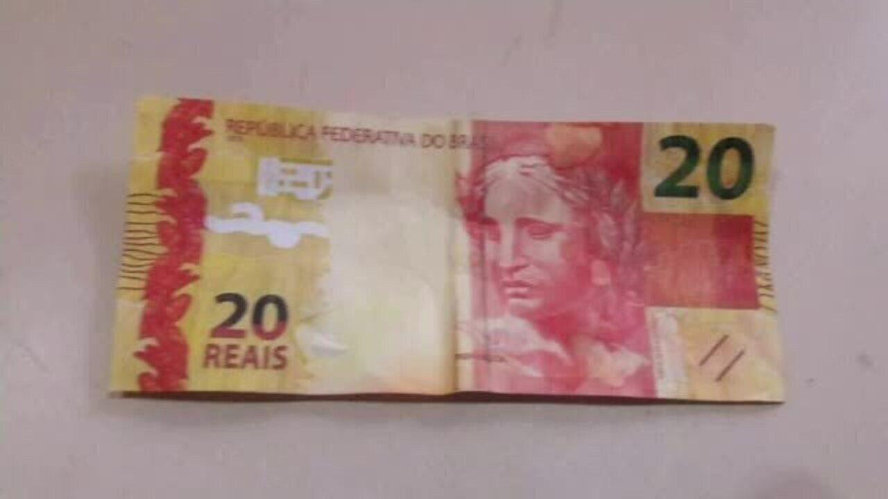 Vendedor de picolé cai em golpe do dinheiro falso em Rio Branco