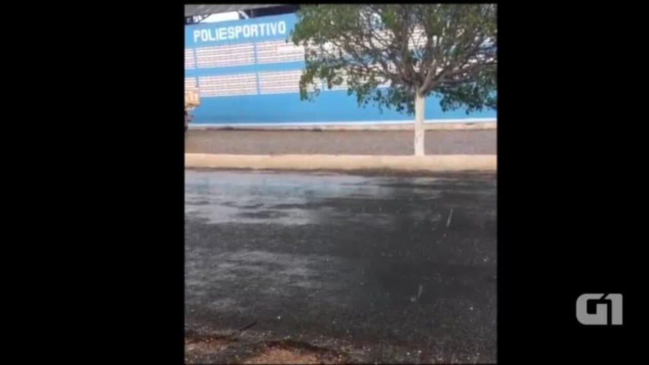 Moradores registram granizo em Jaicós, Sul do Piauí
