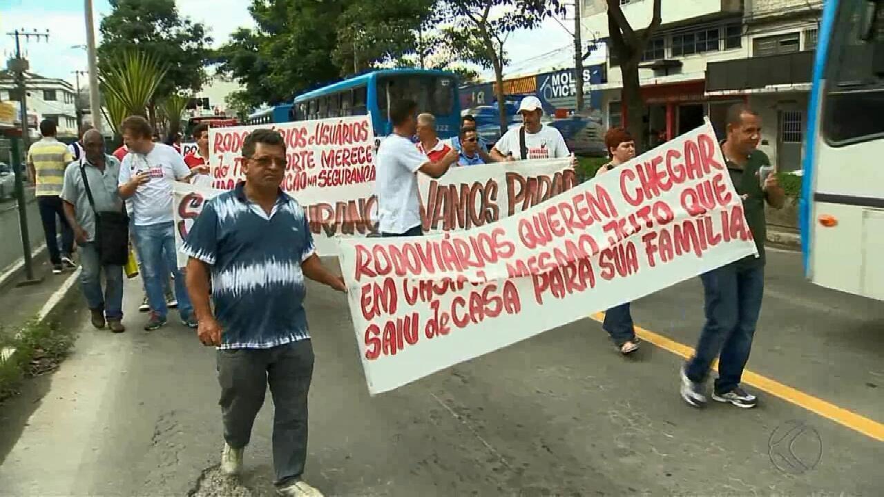 Rodoviários protestam por mais segurança no trabalho em Juiz de Fora