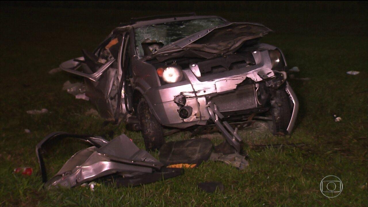 Acidente entre carros de luxo termina com duas mortes e 6 feridos em SP