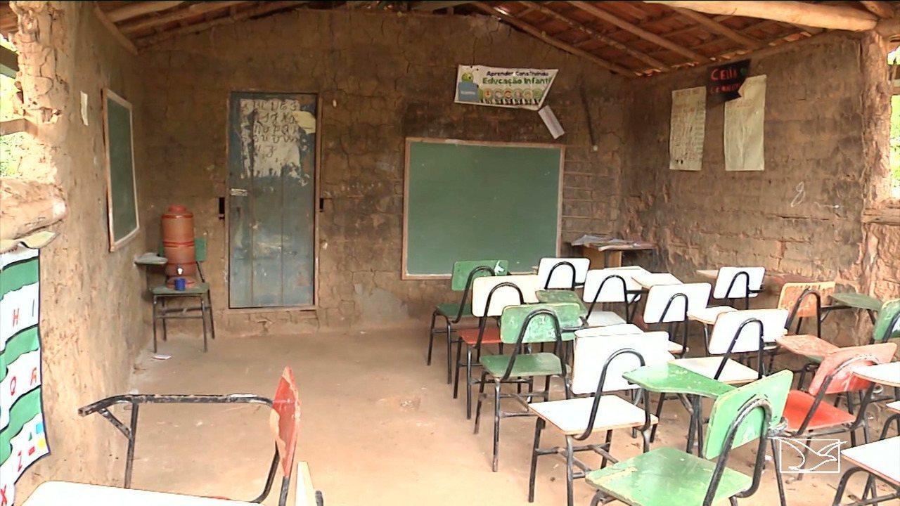 Pais e alunos denunciam a falta de infraestrutura em escola no MA