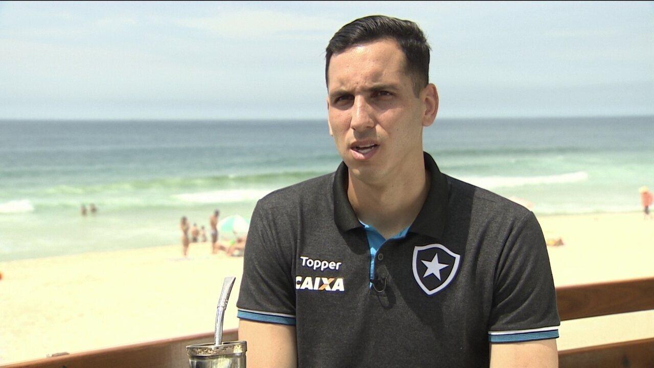 Gatito fala de Felipe Conceição e concorrência saudável com Jefferson no Botafogo