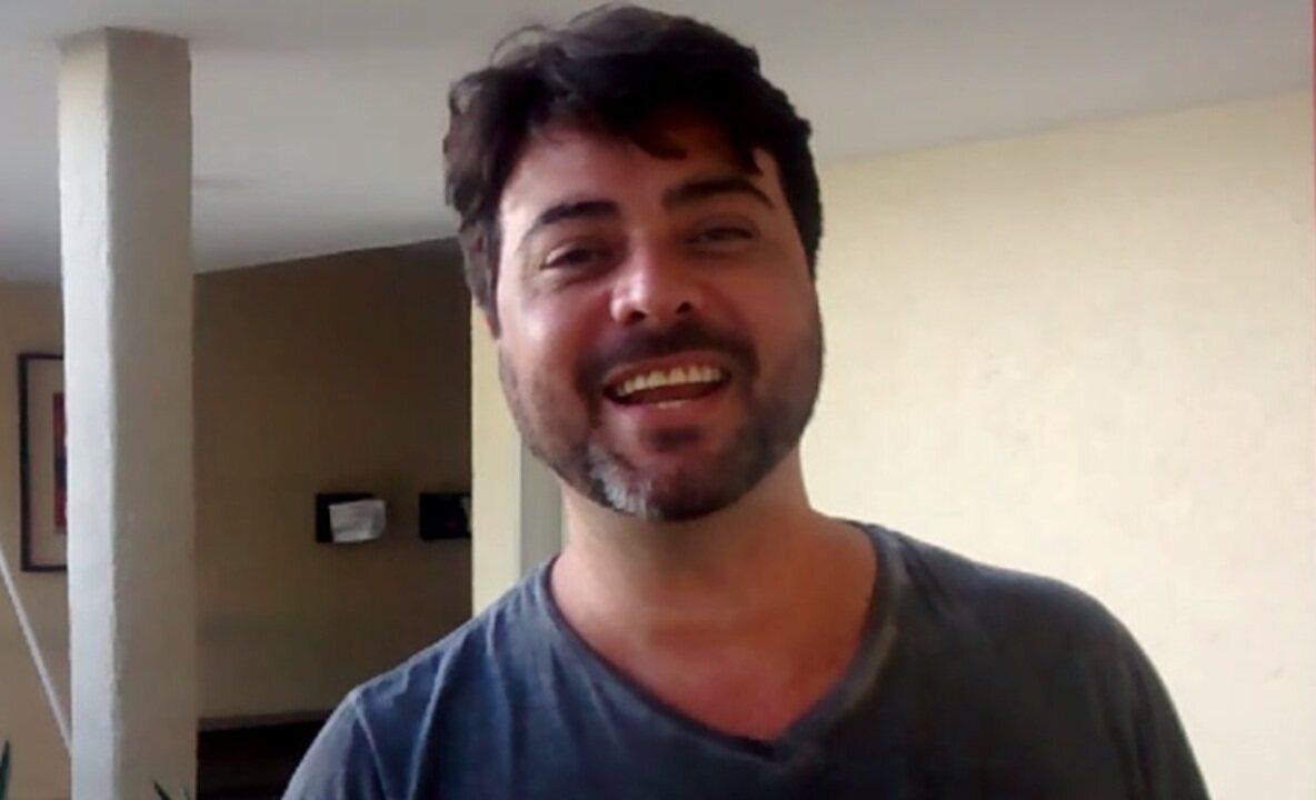 Ator Carlos Simões convida para conferir duas peças neste fim de semana em Fortaleza.