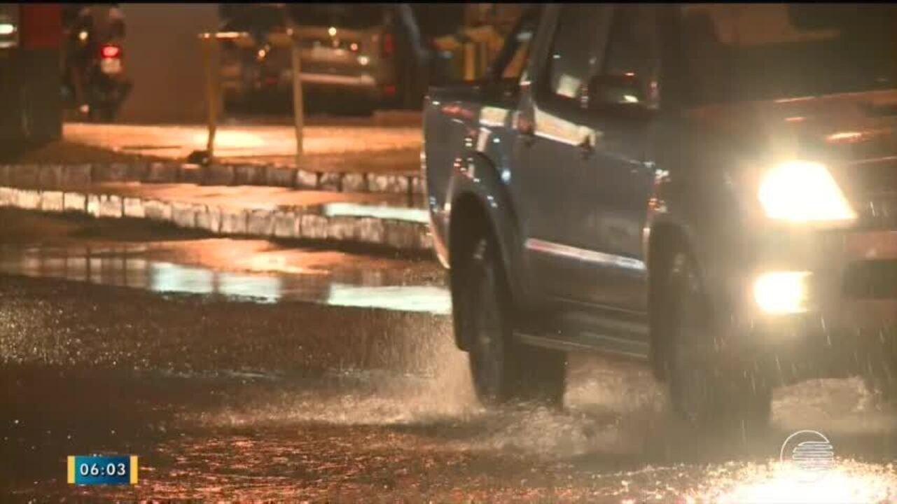 Chuva forte causa transtornos para os motoristas de Teresina