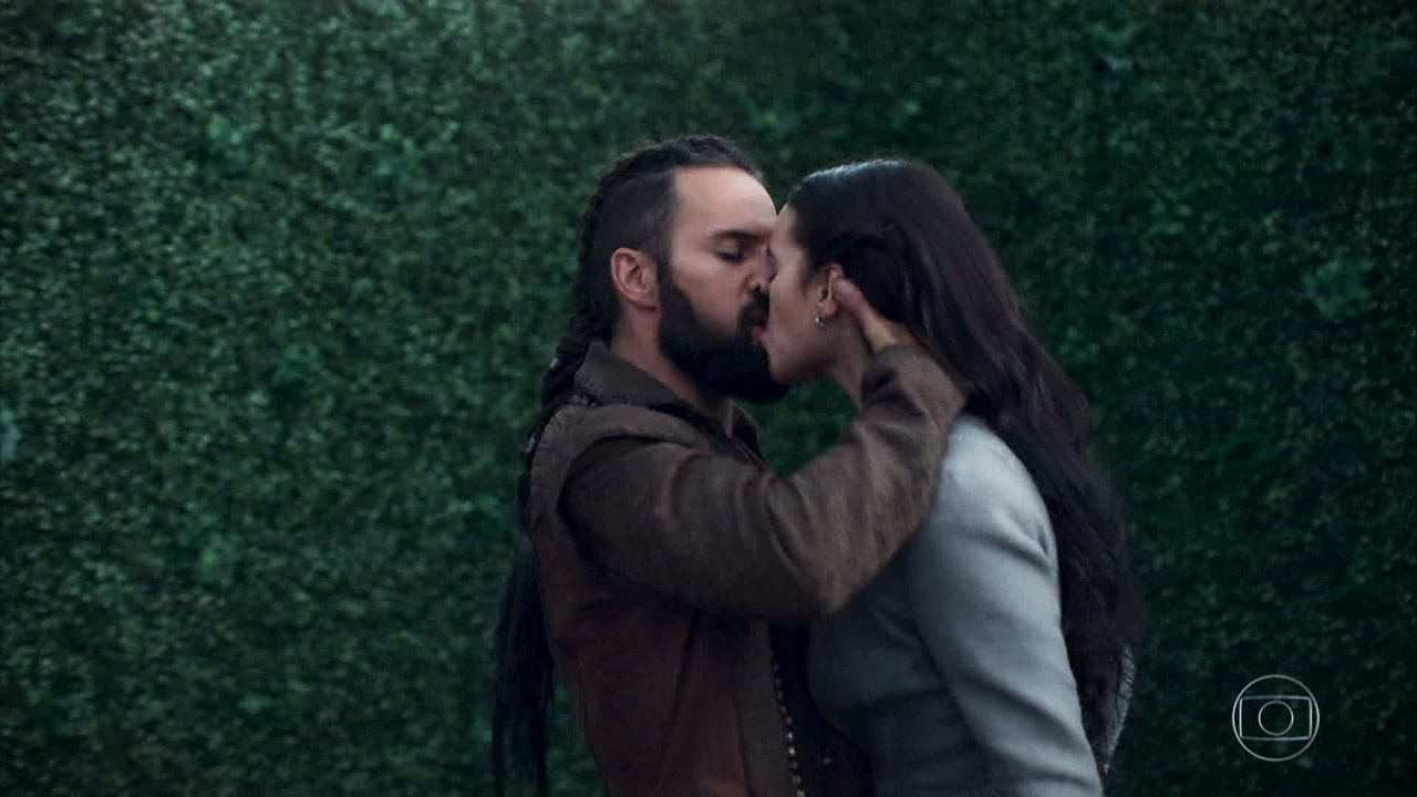Constantino beija Catarina