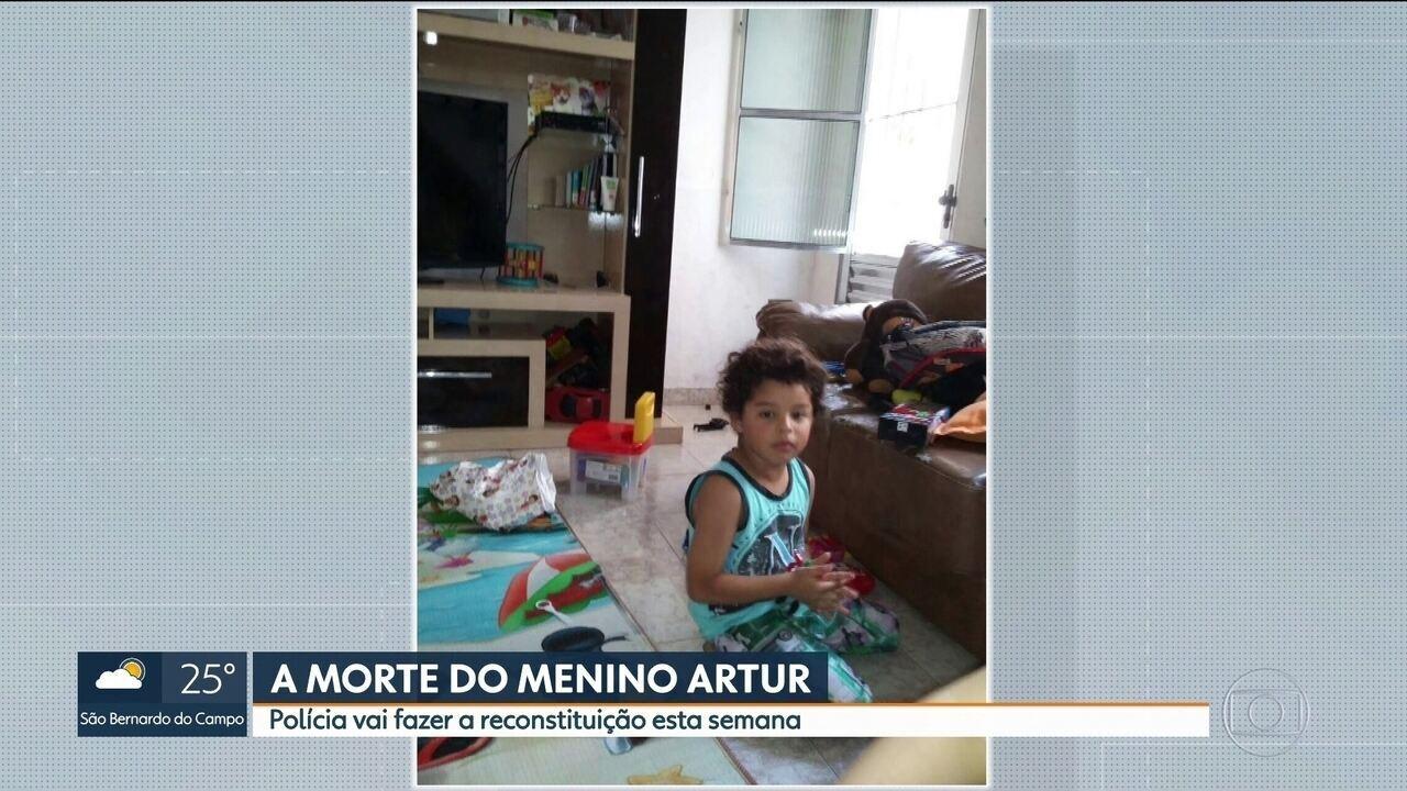 Polícia faz reconstituição da morte do menino Artur