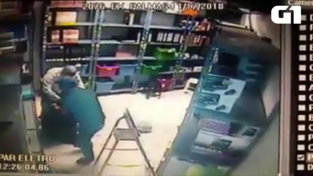 Câmeras de segurança flagraram ação de criminosos em comércio de Palmas
