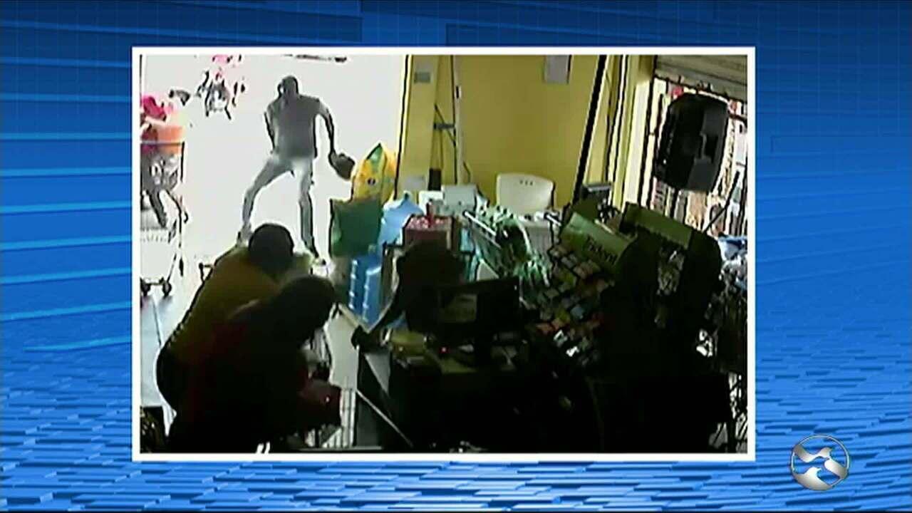 Ex-policial militar é morto a tiros no Centro de Santa Cruz do Capibaribe