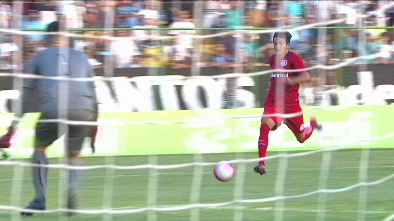 São Paulo bate Internacional e avança à final