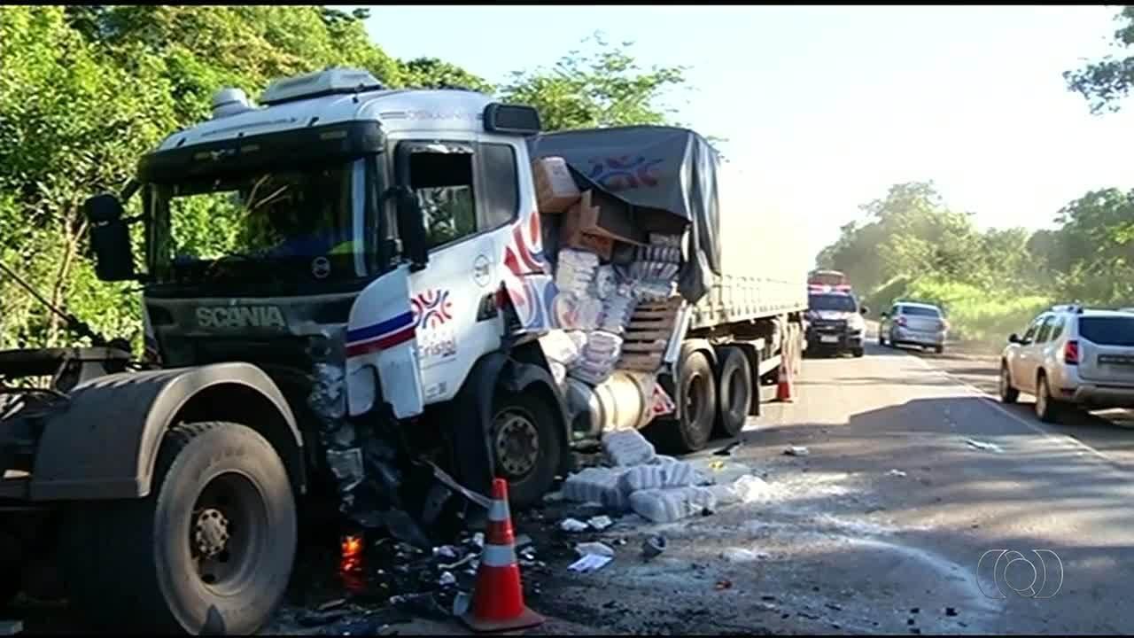 Três pessoas da mesma família morrem em acidente na BR-153