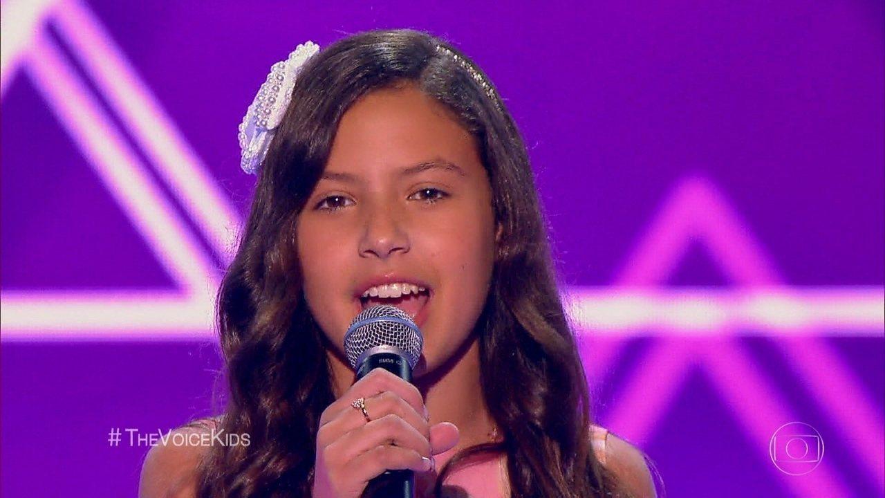 Ana Julia canta 'Era Uma Vez'