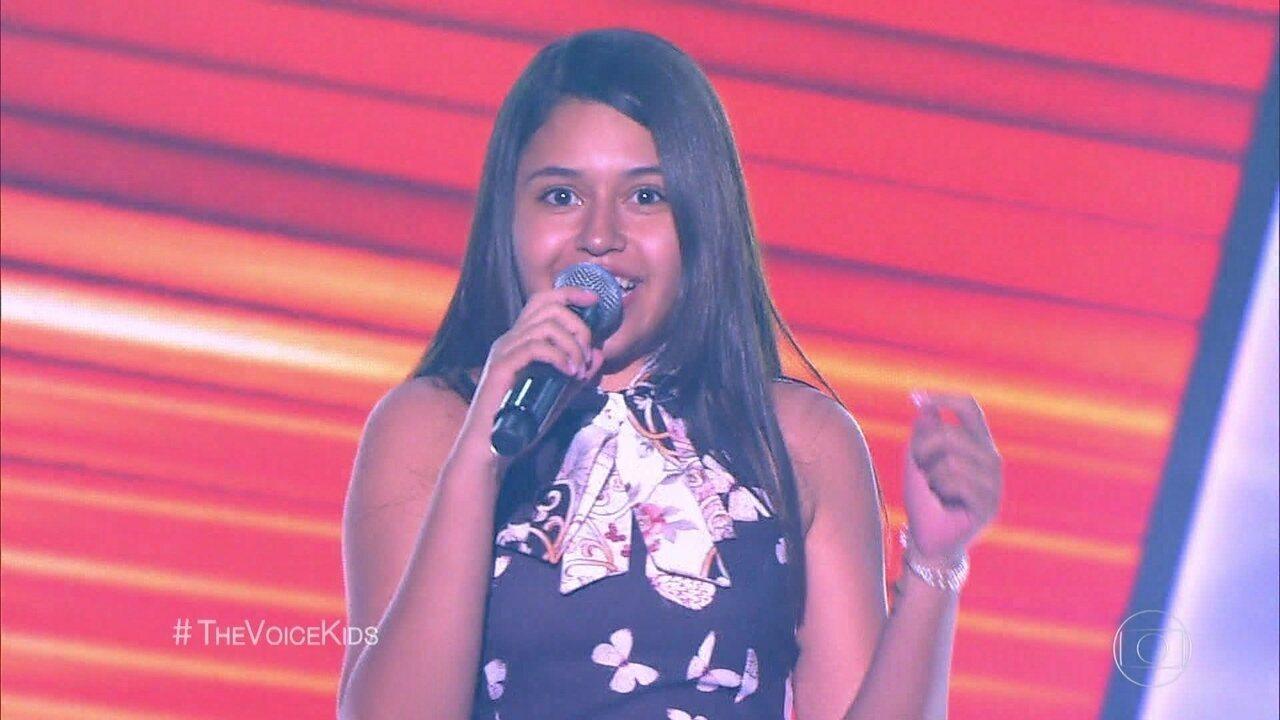 Eduarda Brasil canta 'Forró Xenhenhem'