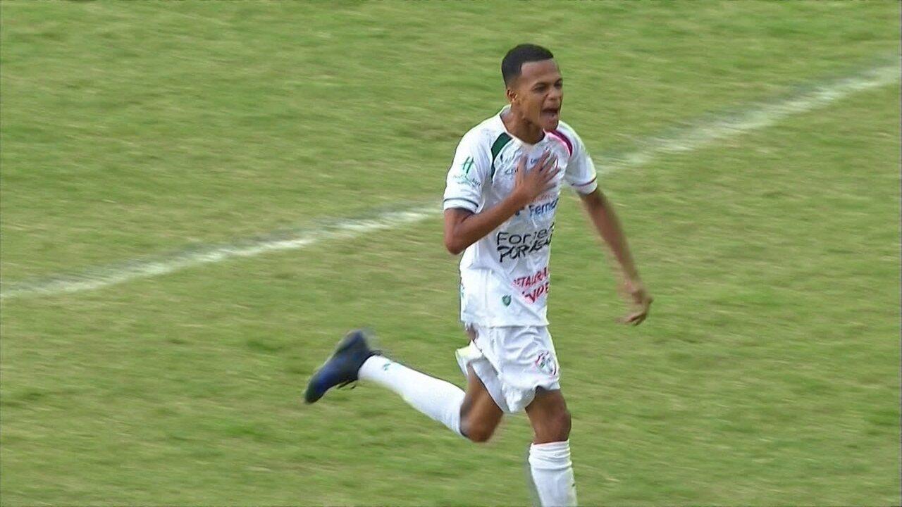 Gol da Portuguesa! Cesinha cruza e Davi empurra para dentro aos 08' do 1º tempo