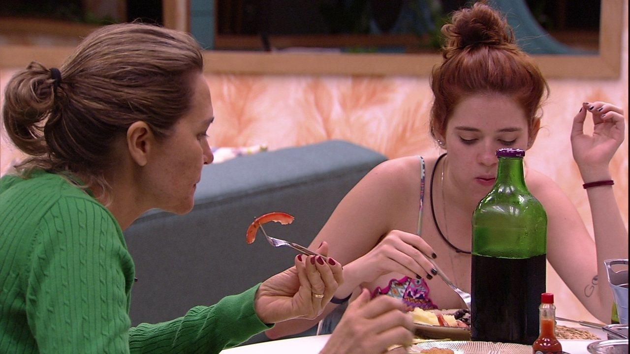 Eva questiona: 'Será que a gente tá comendo na hora certa?'