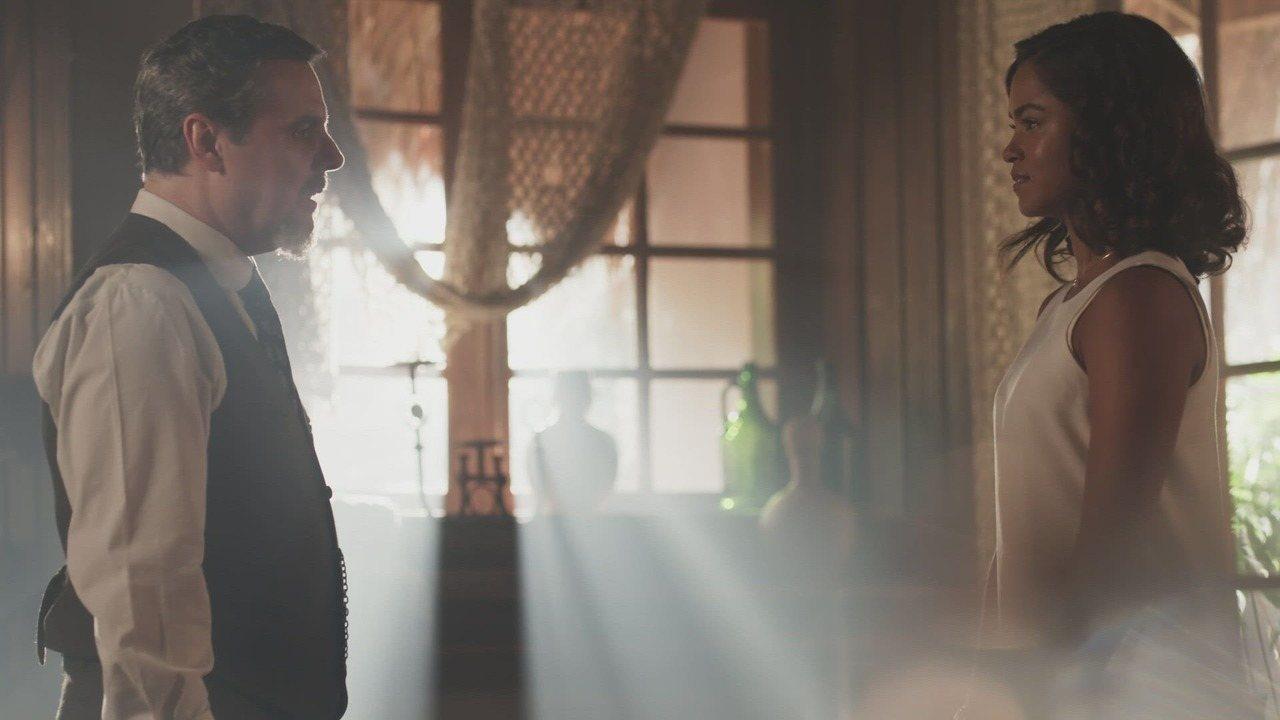 Tempo de Amar - Capítulo de terça-feira, 23/01/2018, na íntegra - Inácio não encontra o médico e Henriqueta afirma que cuidará da sobrinha-neta. Tereza suspeita que Delfina contratou Vasco para fazer mal a Mariana. Celeste tenta convencer Eunice a se casar com Reinaldo. Lucinda não deixa o pai conversar a sós com Leonor. Celeste procura Conselheiro.