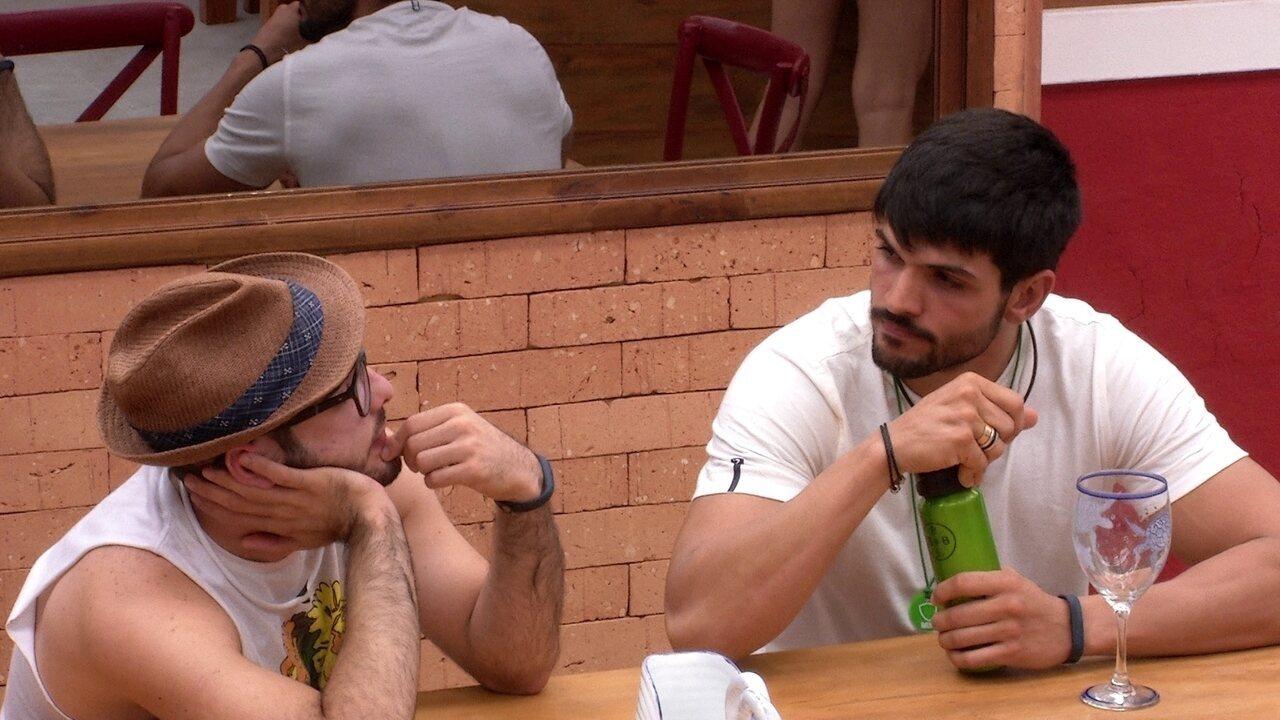 Lucas e Mahmoud conversam sobre experiência fora do Brasil