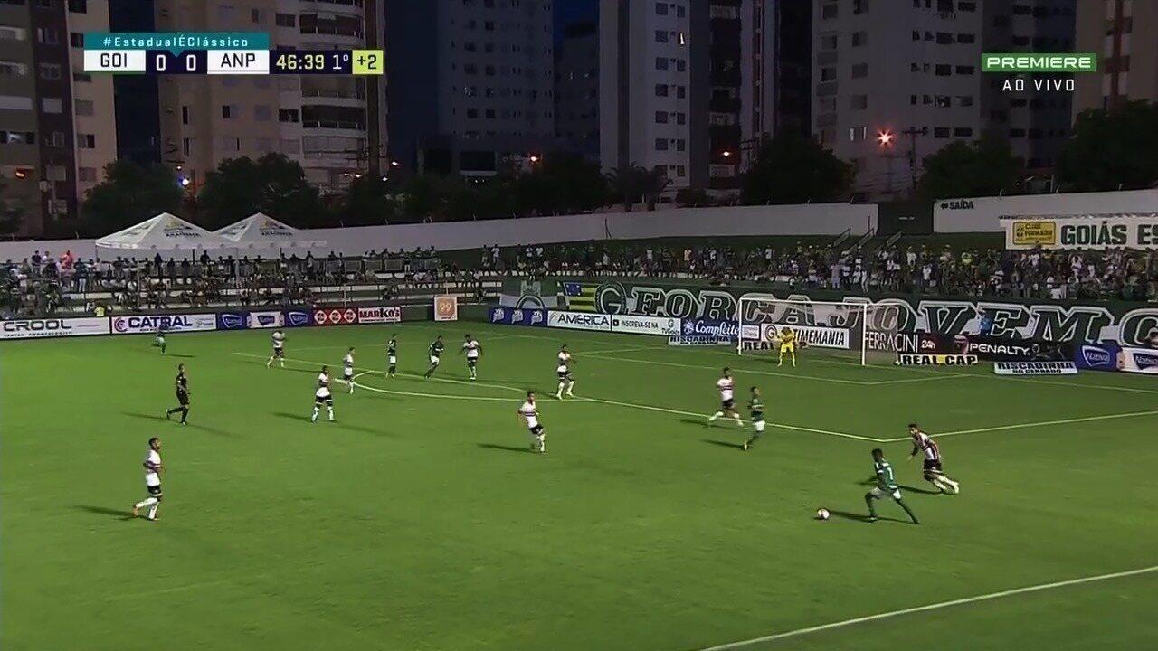 Jogadores do Goiás comemoram vitória em casa e reabilitação no ... 3135183a78358