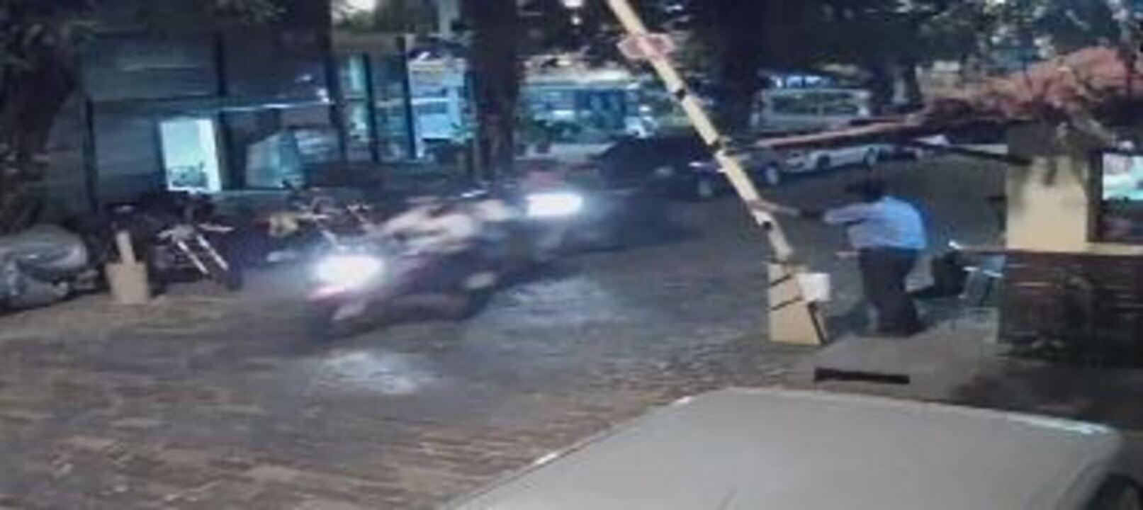 Policiais prendem criminosos em rua sem saída no Humaitá