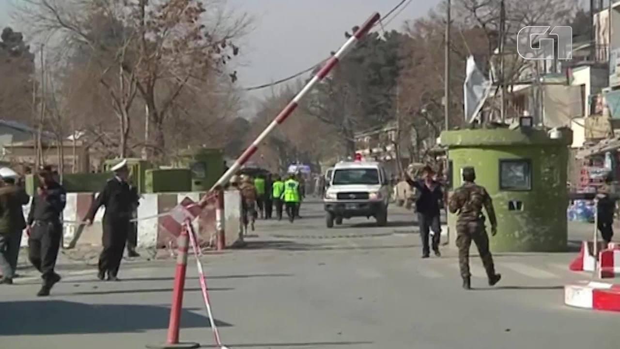 Carro bomba explode em Cabul e deixa mais de 100 pessoas feridas