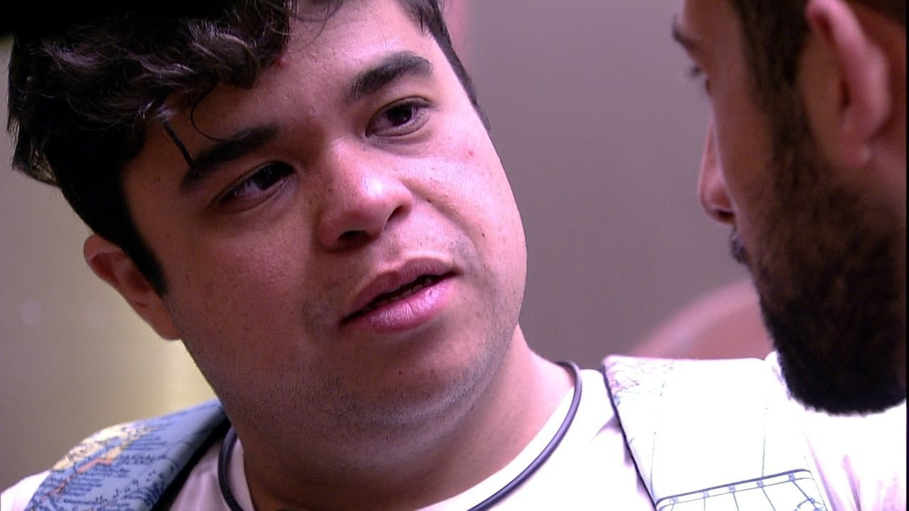 Kaysar revela intimidade a Jorge