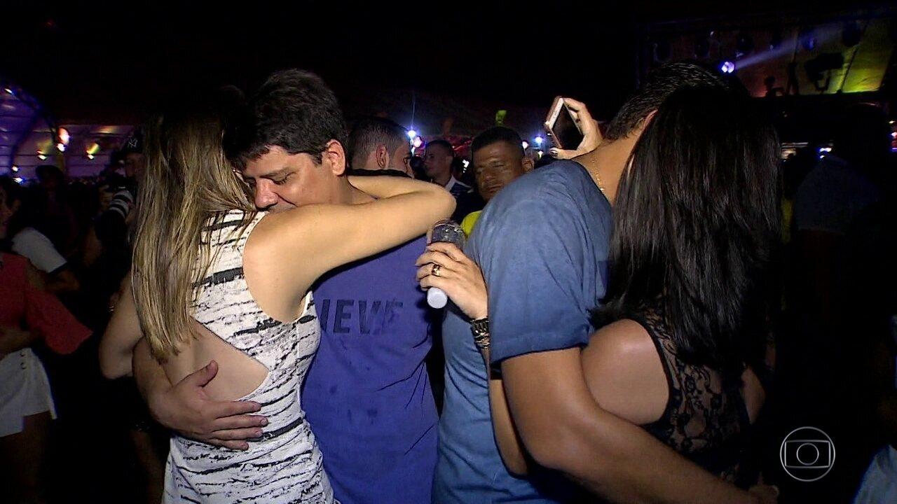 'Sofrência' arrasta multidões em shows antes do carnaval