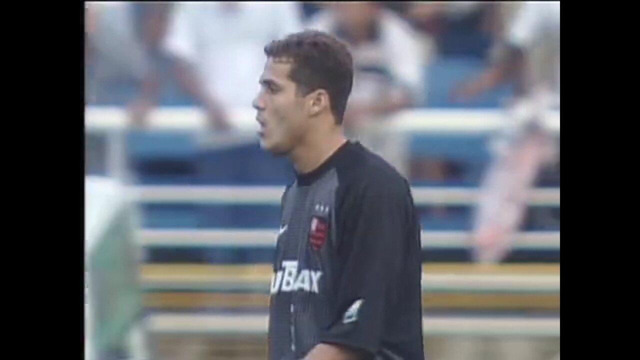 Melhores momentos do goleiro Júlio Cesar na final do Carioca 2001