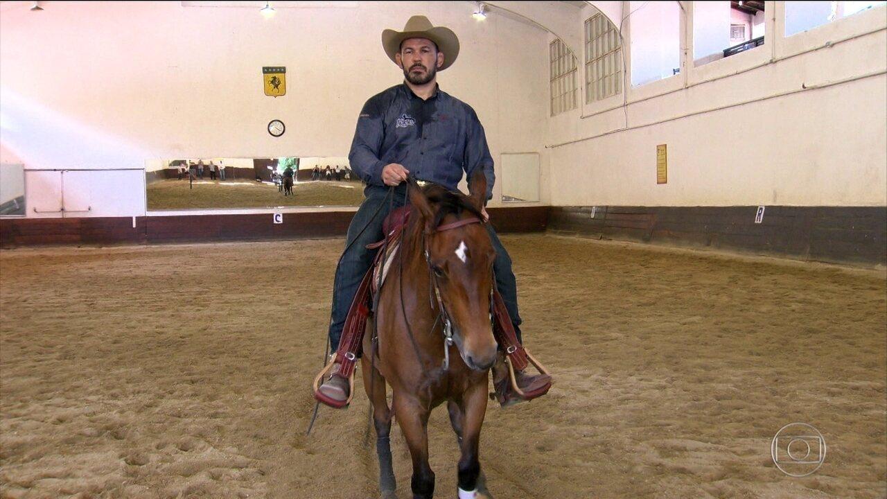 Fora do octógono, Minotauro mostra que tem talento no adestramento de cavalos