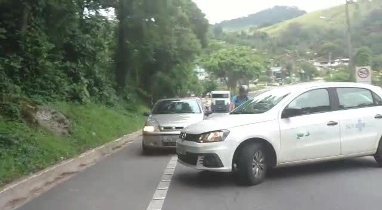 Tiroteio na Sapinhatuba assusta motositas na Rio-Santos, em Angra dos Reis