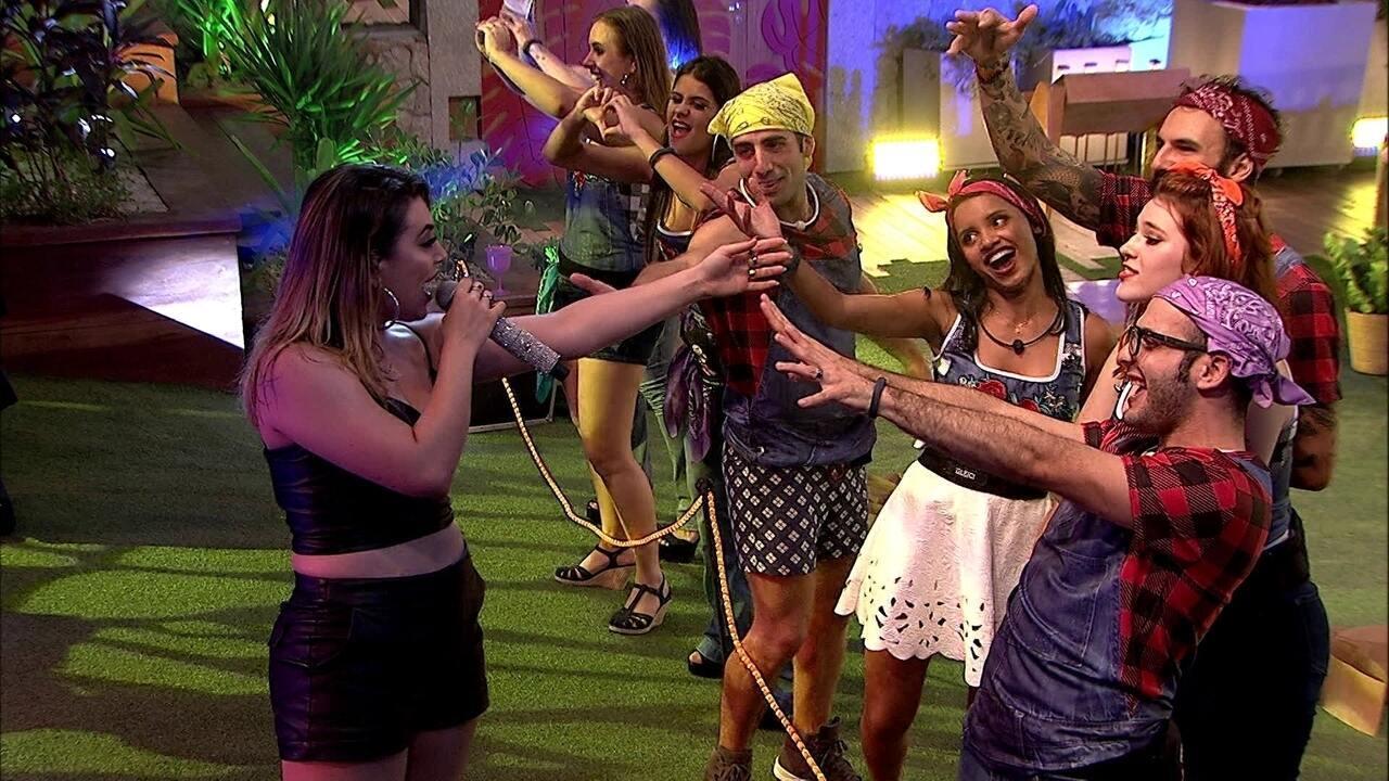 Naiara Azevedo se despede de brothers: 'Vou deixar vocês se divertirem bastante'