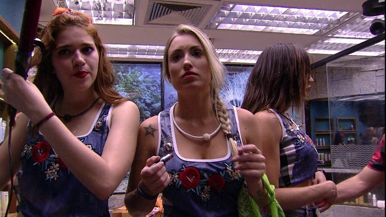 Jéssica pergunta a Ana Clara: 'O que você faria no meu lugar?'