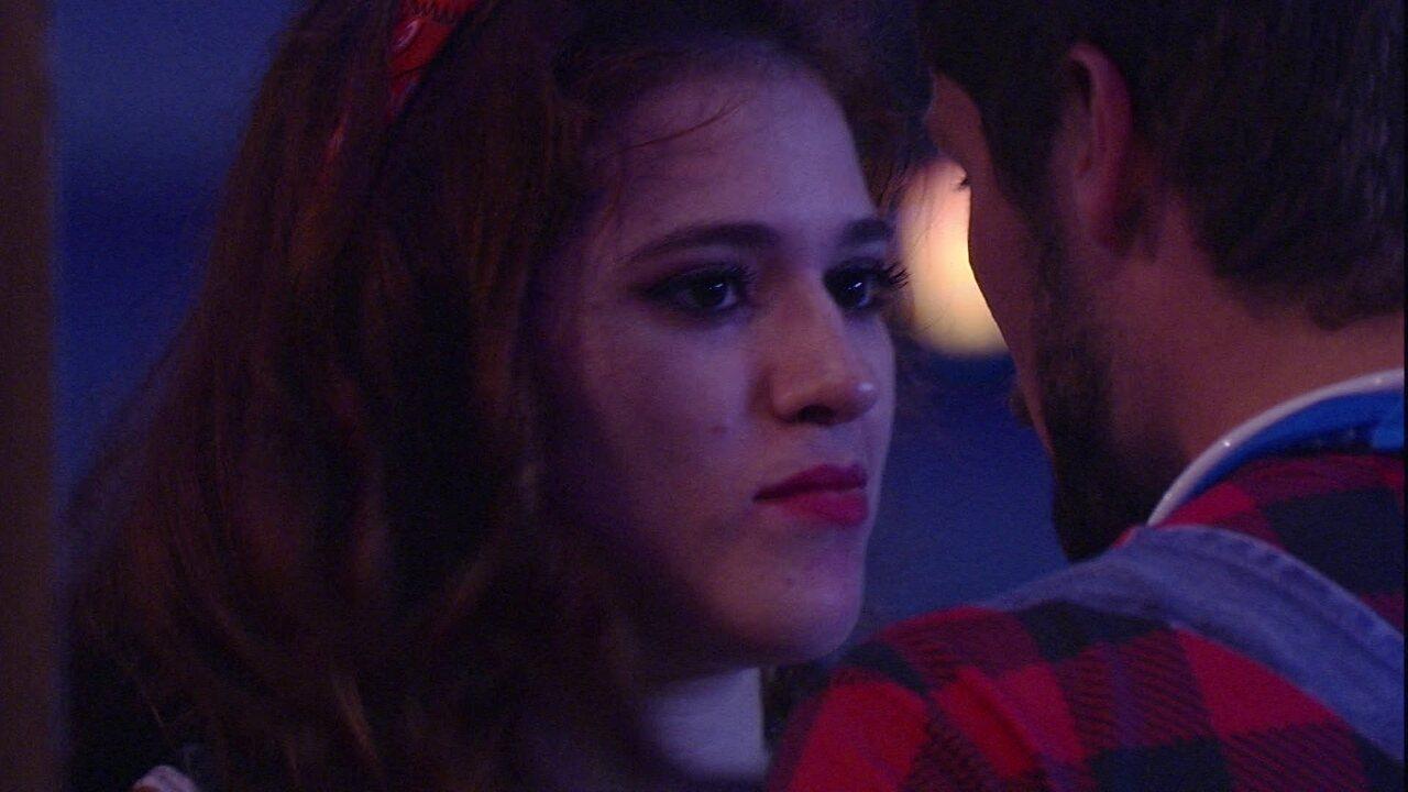 Ana Clara aborda Breno e pede: 'Não fica com ódio'