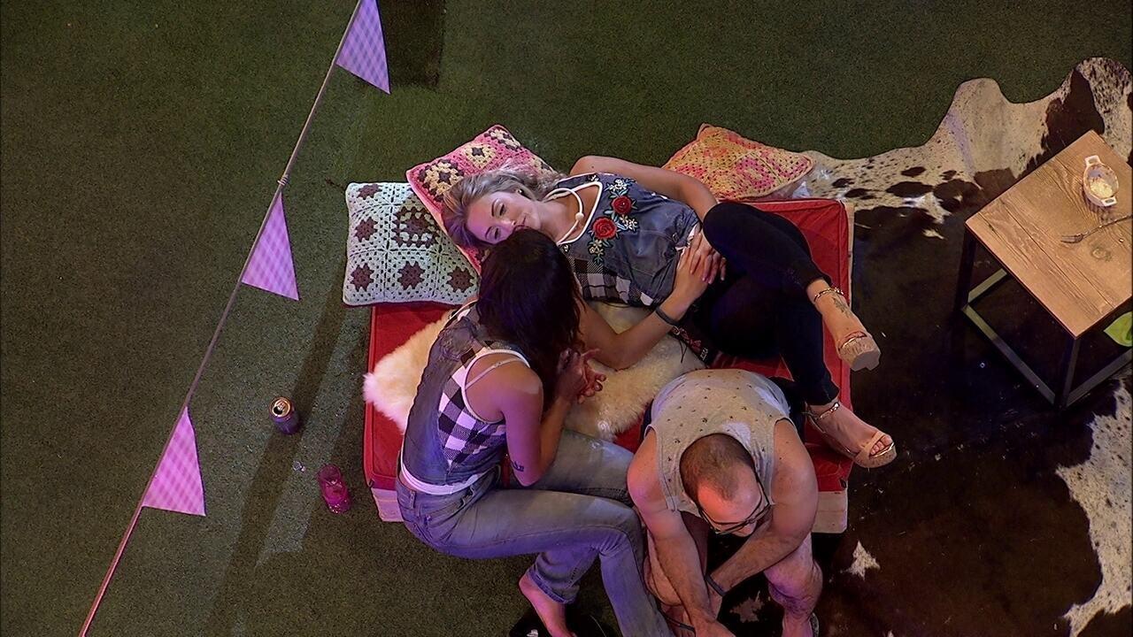 Paula aconselha Jéssica sobre Lucas: 'Você tem que pensar se vale a pena'