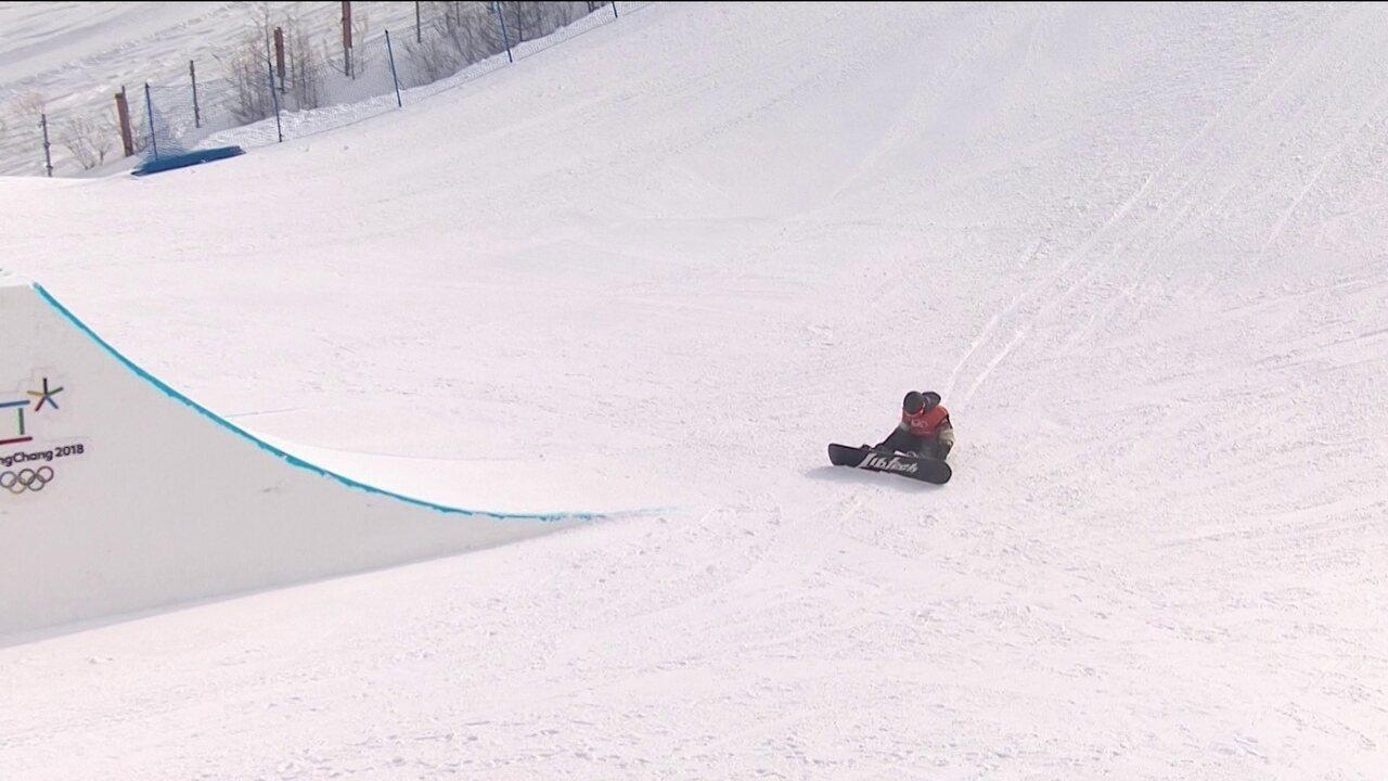 Canadense cai no inicio da competição no Snowboard Slopestyle