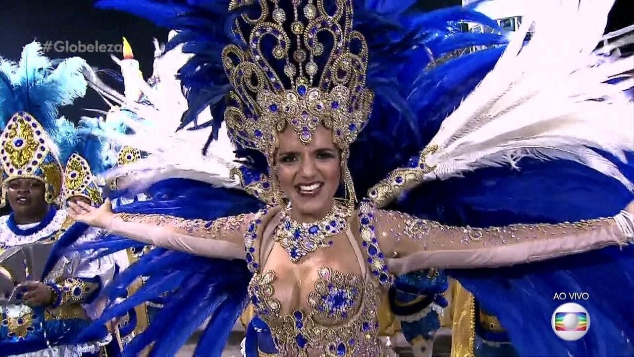 Priscila Araújo é primeira princesa e Andréa Capitulino é rainha de bateria da Tatuapé